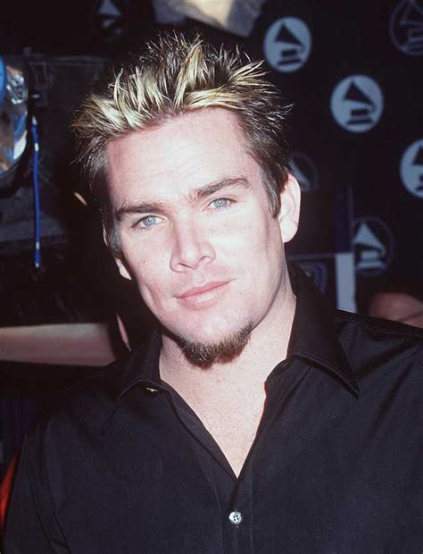 frosted tips of hair chad kroeger and 29 famous dudes who proudly rock frosted tips