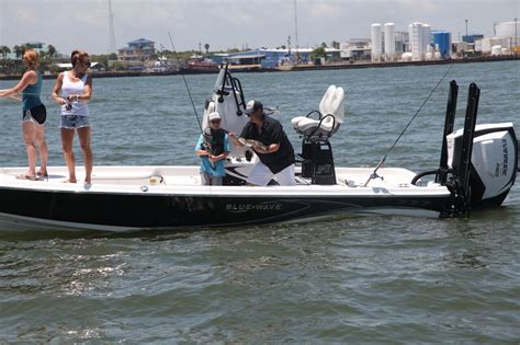 blue wave boat forum blue wave 2200pure bay w evinrude g2 250ho page 2 the