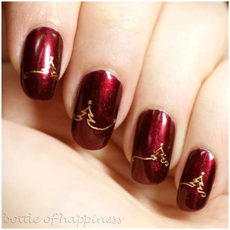 attractive christmas   years eve nail art designs   leave  breathless