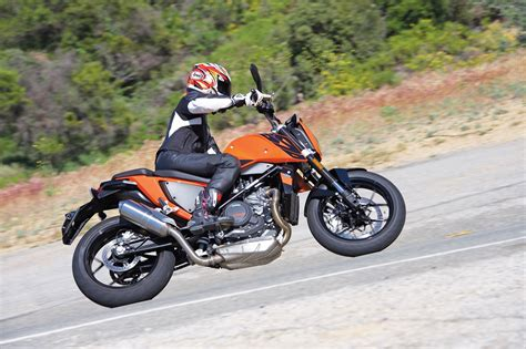 Ktm 690 Review 2016 Ktm 690 Duke Review Singular Feeling