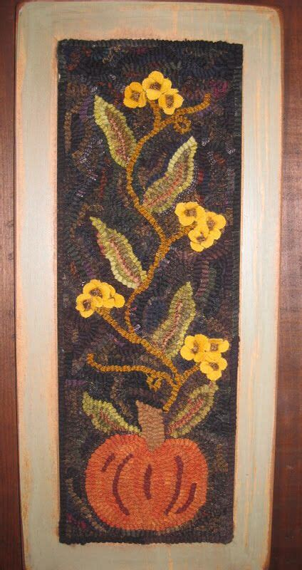 rug hooking blogs 17 best images about my rugs on the hill running and a class