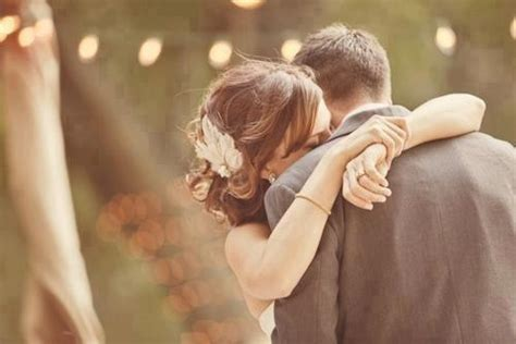 images of love couples hugging romantic couple hug images 104likes com