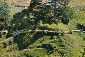 filme schauen the biggest little farm the hobbit a behind the scenes guide to the making of