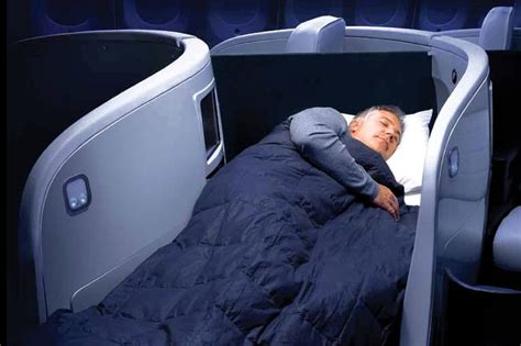 beds on planes the race to offer better sleep at 35 000 feet wsj
