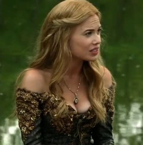 hairstyles from reign greer s hair from the show reign that show has the best