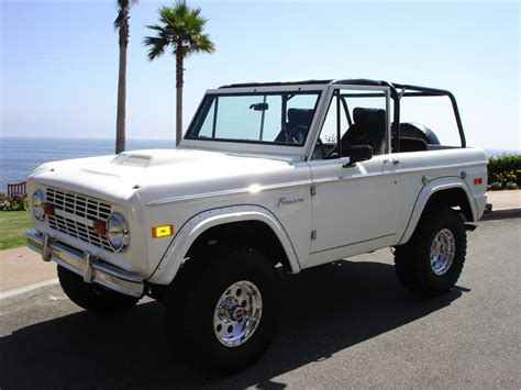 jeep bronco white another beach bronco in a lot of white my collection of
