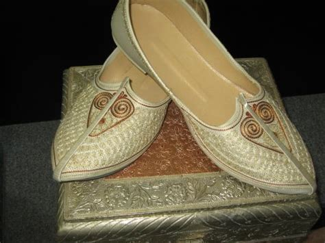indian shoes collection 2012 indian wedding sheos for