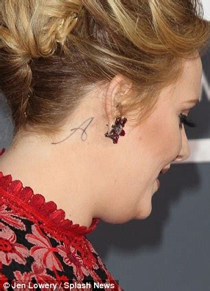 adele tattoo behind ear grammys 2013 adele wins best solo pop performance but