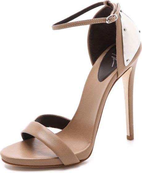 Sandal Karet S35 12 giuseppe zanotti ankle sandals with metal detail in beige lyst