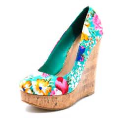 Cute summer wedges shoes and beauty