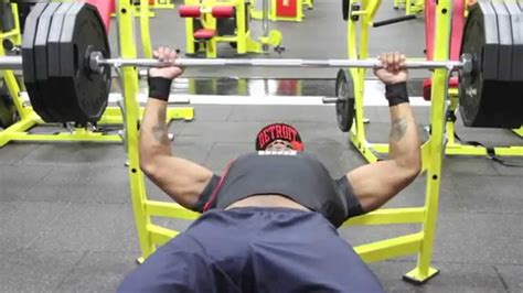 bench press for bigger chest move big weight chest day bench press youtube