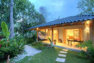 Beach Bungalow House Plans Beach Casitas With Tropical Luxury Style And Privacy