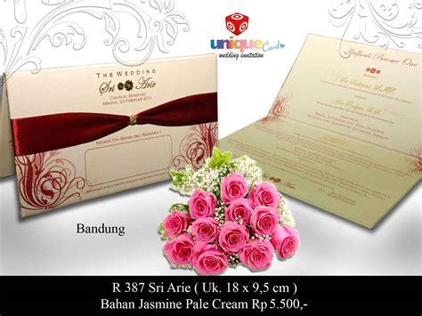Undangan Pernikahan Kartu Wedding Invitation Card Kode Flo05 undangan pernikahan hardcover sri arie