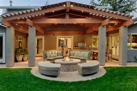 best 25 covered outdoor kitchens ideas on pinterest best 25 covered patio kitchen ideas ideas on pinterest