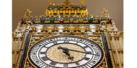Kristik Model Menara Jam Dan Danau replika menara big ben jadi ikon toko lego terbesar dunia kompas