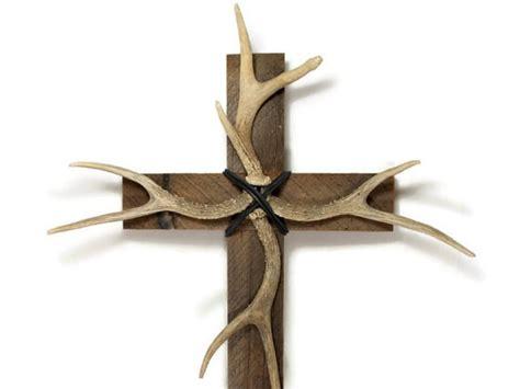 deer antler antler decor 14 x 24 barnwood