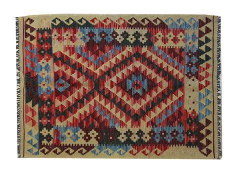 lavaggio tappeti in casa tappeti kilim idee per il design della casa