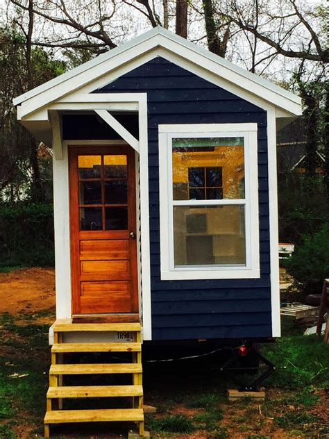 home 10k despite challenges she built tiny house for 10k the