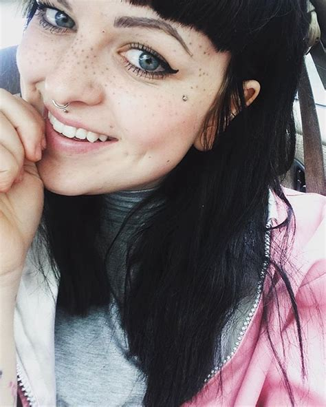 tattoo that looks like freckles people are tattooing freckles on their face and this is