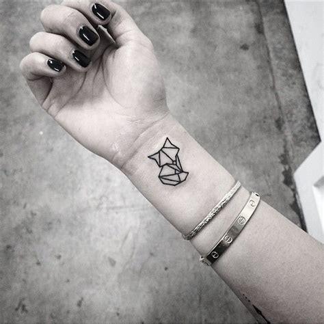tattoo geometric fox 35 fascinating fox tattoos for men and women