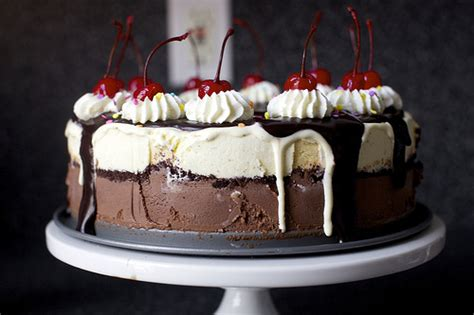 fudge sundae cake smitten kitchen