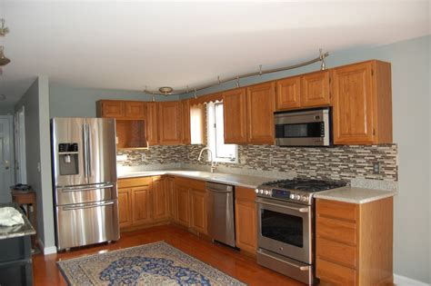 popular colors to paint kitchen cabinets popular kitchen paint colors with oak cabinets colored