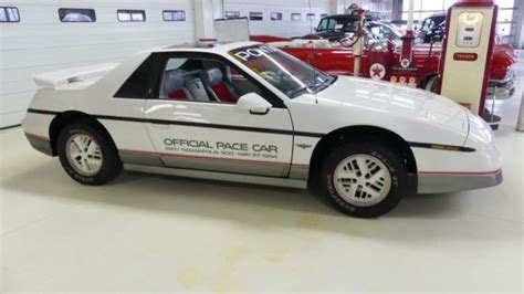 automotive service manuals 1984 pontiac fiero seat position control 1984 pontiac fiero se indy pace car 28144 miles white coupe i4 2 5l automatic for sale pontiac