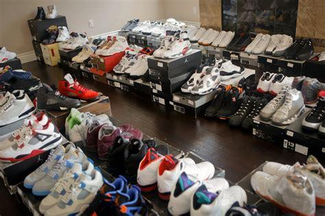Michael Shoe Closet by A Quot Sneak Peek Quot Inside Demar Derozan S Shoe Room