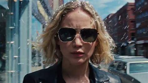 biography of joy movie watch life is hard for jennifer lawrence in joy trailer
