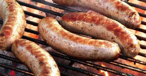 cuisiner des saucisses fum馥s comment cuire les saucisses boucheries et ferme