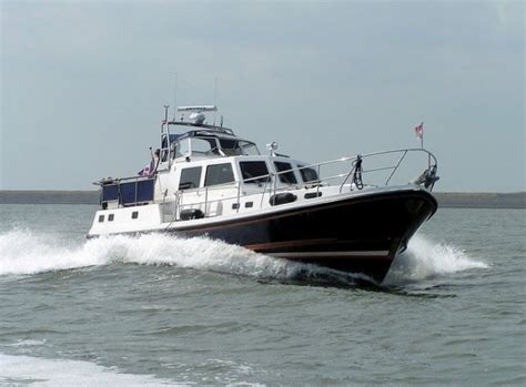 the typical powerboat is not seaworthy - Best Seaworthy Boats