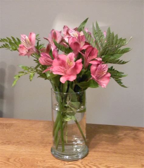 Fresh Flowers In Vase by Make Your Cut Flowers Last Longer