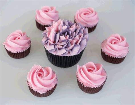 decorar un cake con merengue c 243 mo decorar cupcakes seg 250 n la ocasi 243 n