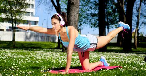 allenamento a casa allenamento aerobico a casa allenamento tabata esercizi