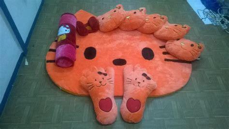 Karpet Karakter Set Bekasi jual karpet set karakter hello warna orange harga