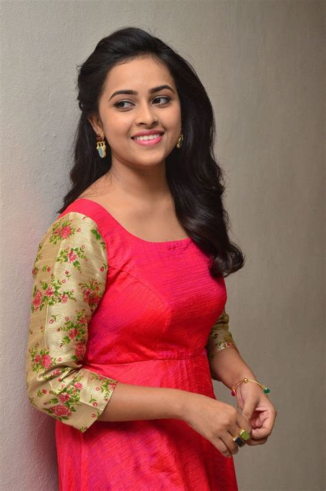 new actress name tamil actress celebrities photos tamil actress sri divya latest