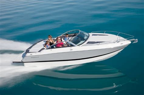 Bowrider Boats With Cabin by Four Winns S215 Reviving The Cuddy Craze Boats