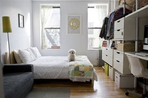 how to declutter bedroom 5 strategies for decluttering a small space apartment