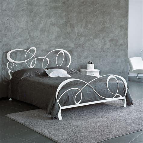 letto in ferro battuto moderno letto matrimoniale modello horta in ferro battuto laccato