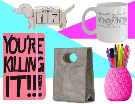 best gifts for christmas coworkers 2018 inexpensive 42 gifts for coworkers this 2018 best office staff gift ideas