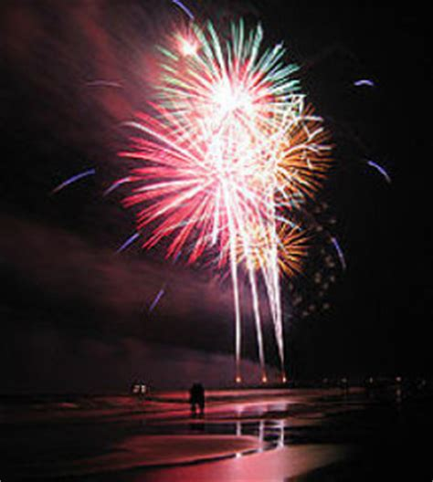 new year celebration florida new year s fireworks naples pier 365 things to do
