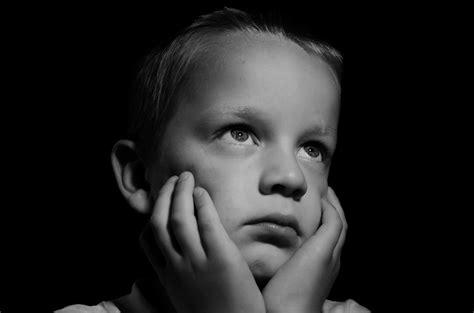 imagenes niños tristes llorando foto gratis triste ni 241 o llorar l 225 grimas imagen