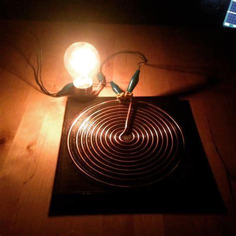 Tesla Bulb Wireless Engineer 3d Prints Amazing Wirelessly Powered Tesla Desk