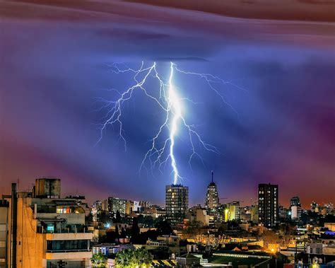 imagenes para fondo de pantalla rayos caida de un rayo en la ciudad hd 1280x1024 imagenes