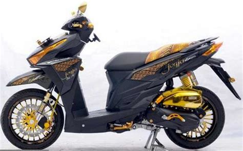 foto modifikasi honda vario  cutting sticker