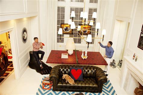 jonathan adler simon doonan and jonathan adler at home in new york city