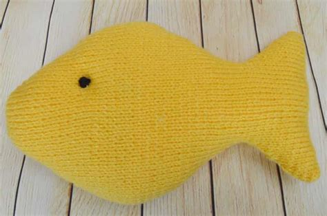 how to knit a fish fishing knitting by post