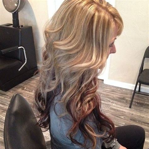 long blonde hair with dark low lights long blonde hair with low lights caramel blonde wavy