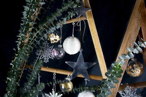 türkranz weihnachten selber machen diy weihnachtsbaum mit eukalyptus diy diy