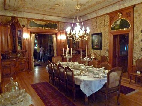 File:Dining room   Pabst Mansion   Wikimedia Commons